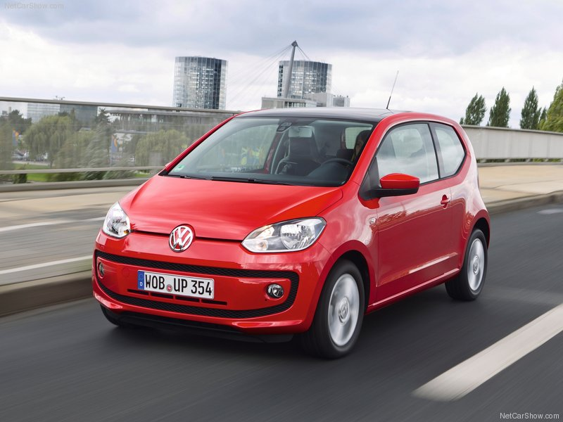 Volkswagen-Up_2013_800x600_wallpaper_03