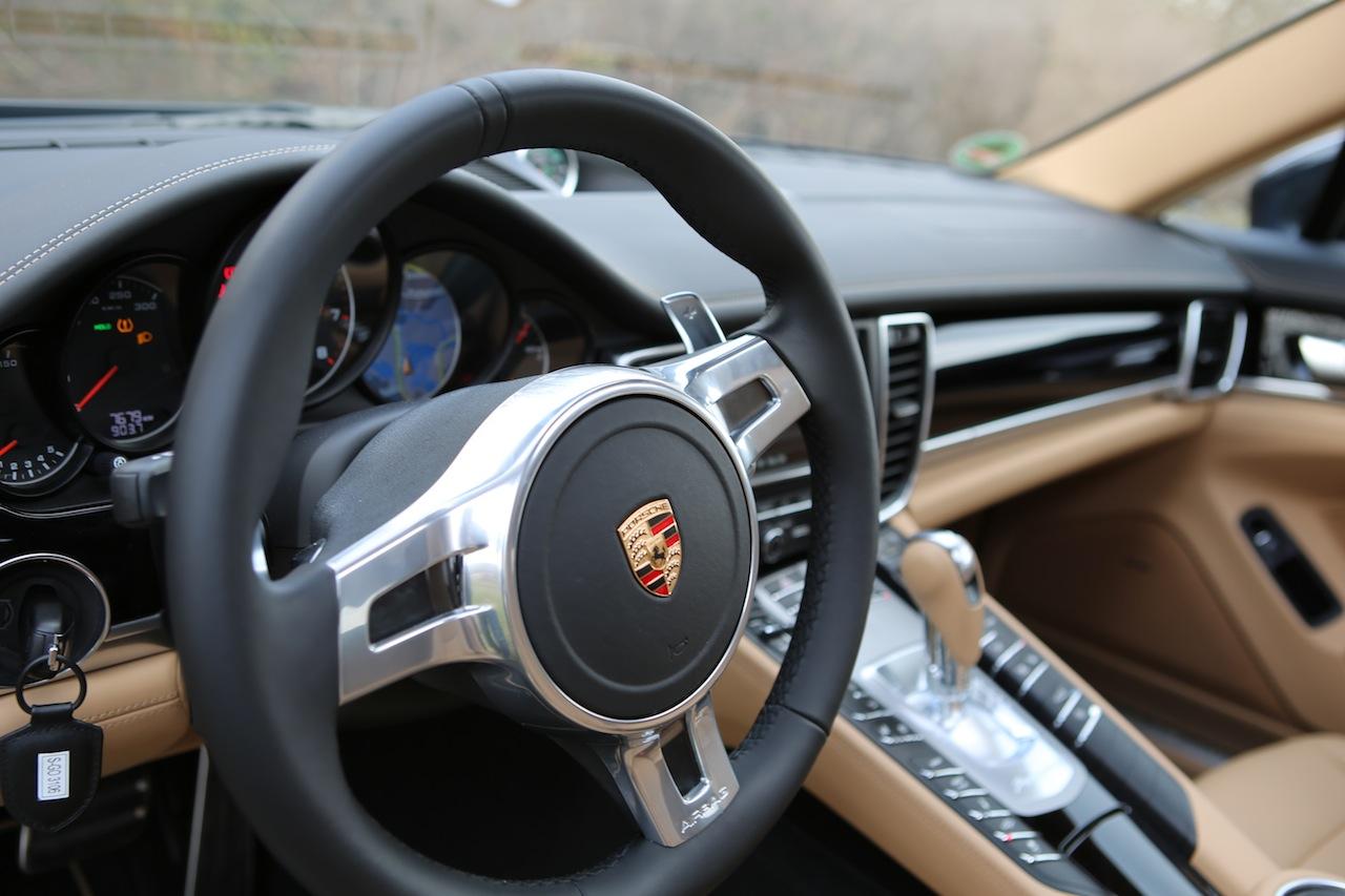 Porsche Panamera 38847