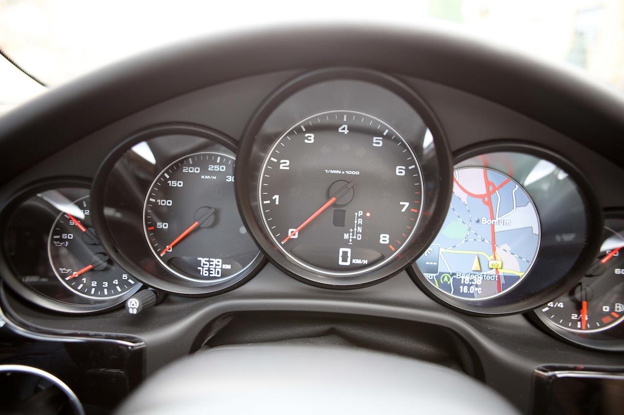 Porsche Panamera 66570