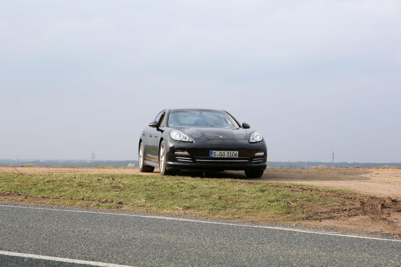 Porsche Panamera 68990