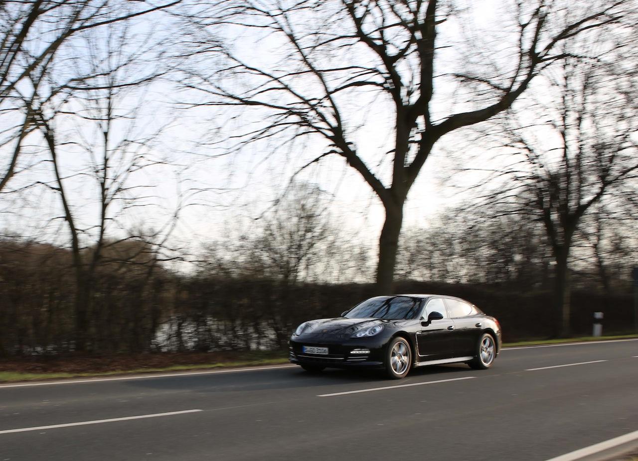 Porsche Panamera 70260