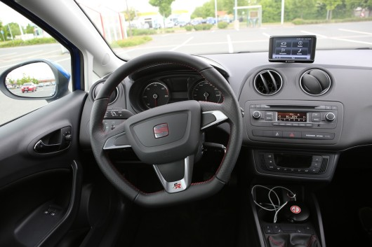 Seat ibiza sc 2 0 tdi fr sparsamer stadtflitzer newcarz for Seat ibiza innenraum