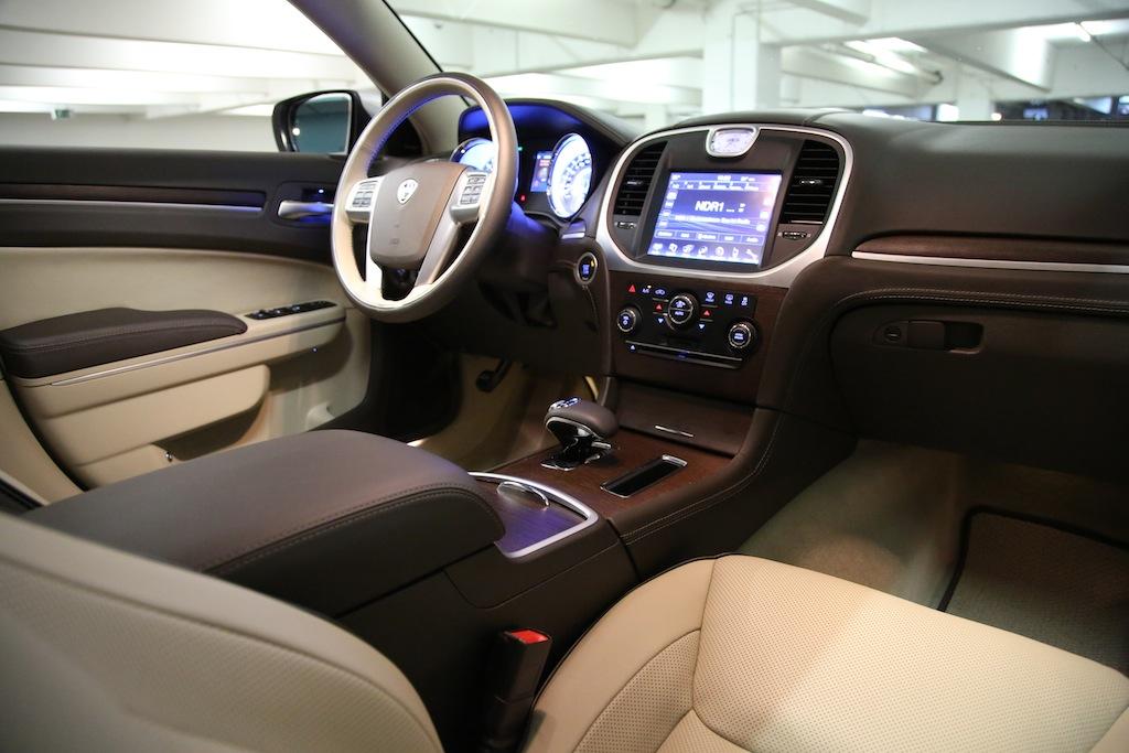Lancia Thema Fahrbericht - Lancia lernt Luxus | NewCarz