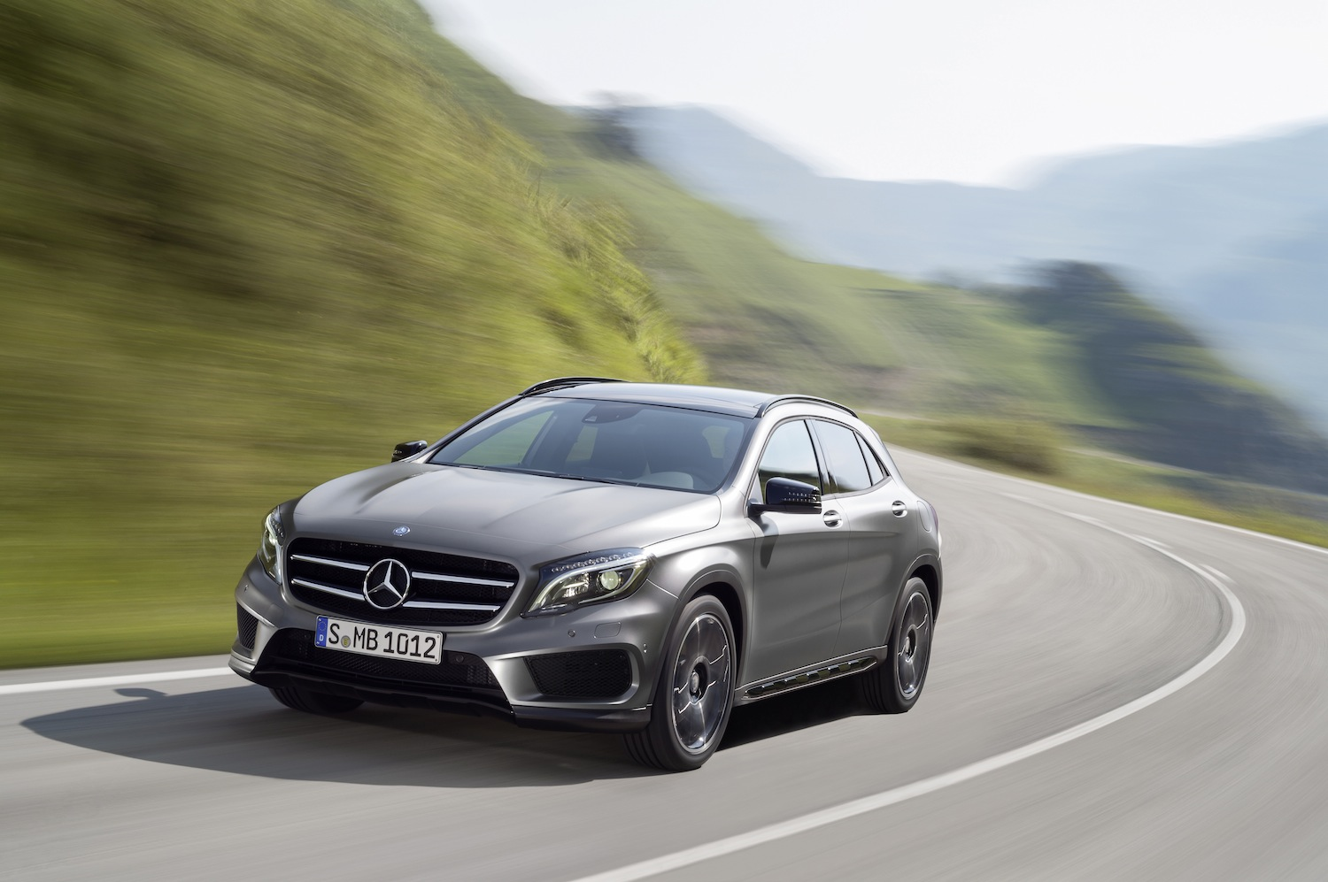 Mercedes benz gla 250 4matic x156 2013 for Mercedes benz suv gla