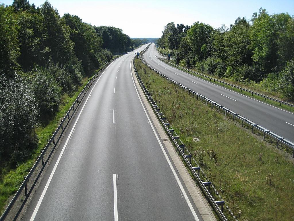 Kommentar Geschwindigkeitsbegrenzung Auf Deutschen