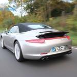 Porsche 911 Carrera 4 Cabriolet - geschlossen, dynamische Fahrt
