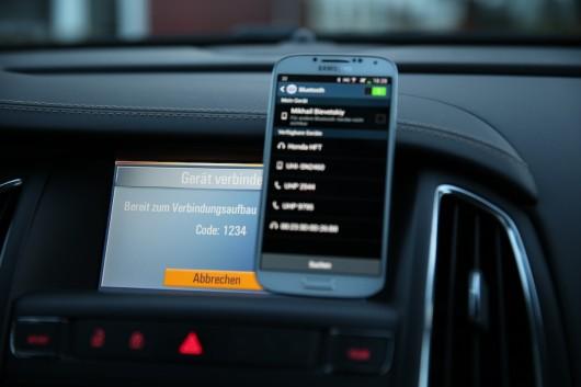 NewCarz-Opel-Cascada-Samsung-Galaxy-S4-4
