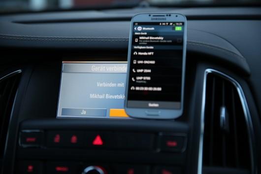 NewCarz-Opel-Cascada-Samsung-Galaxy-S4-5