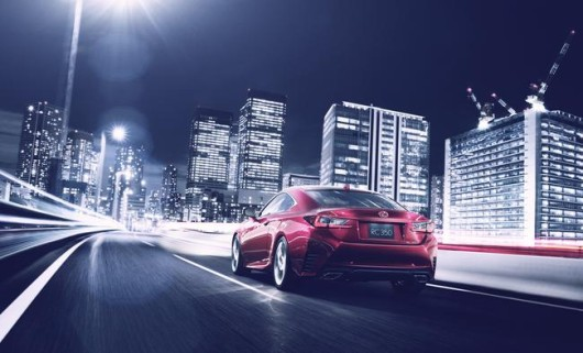 Lexus_RC_city_dynamic_rear__mid