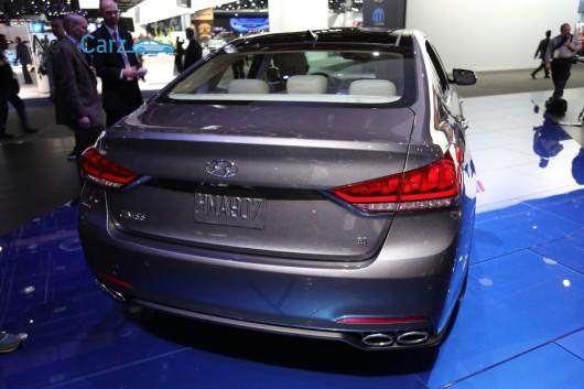 NewCarz-Hyundai-Genesis-Detroit-058