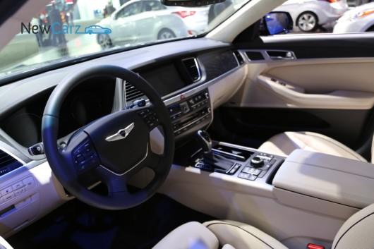 NewCarz-Hyundai-Genesis-Detroit-059