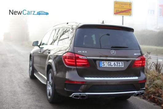 NewCarz-Mercedes-Benz-GL63-AMG-183