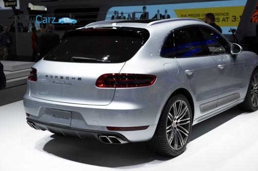 NewCarz-Porsche-Macan-Detroit-NAIAS-2014-50