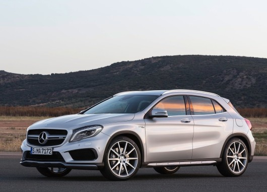 Mercedes-Benz-GLA45_AMG_2015_1280x960_wallpaper_02