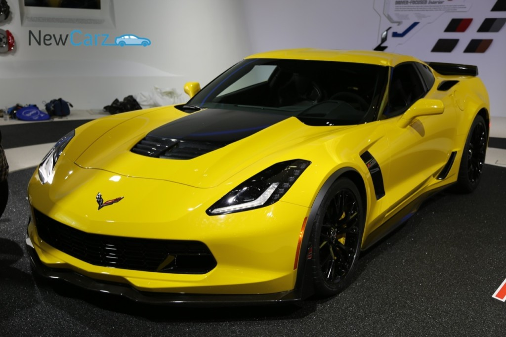 NewCarz-Chevrolet-Corvette-Stingray-C7-Z06-Detroit-NAIAS-24
