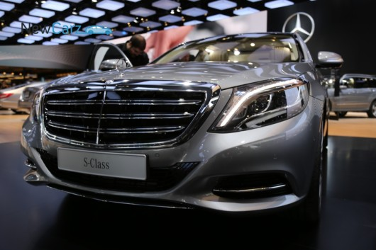 NewCarz-Mercedes-Benz-S-600-W222-Detroit-NAIAS-90