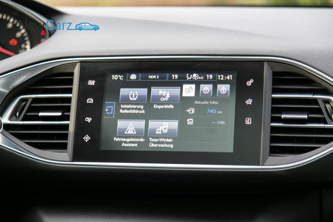 https://www.newcarz.de/wp-content/uploads/2014/01/NewCarz-Peugeot-308-Fahrbericht-Probefahrt-Testbericht-053.jpg