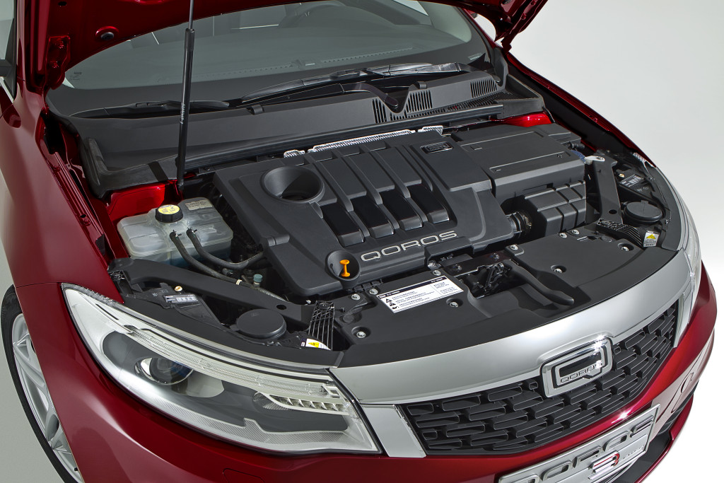 Qoros-3-Hatch-engine-bay