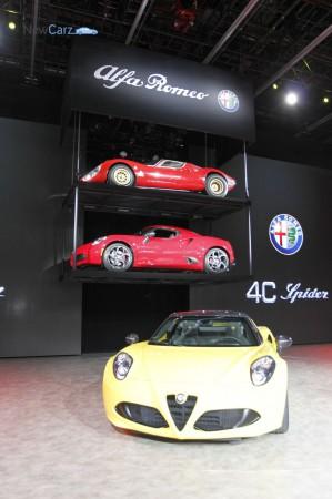 NewCarz-Alfa-Romeo-4C-Spider-Detroit-NAIAS-85