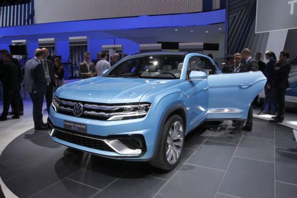 NewCarz-Volkswagen-CrossCoupe-GTE-Detroit-NAIAS-397
