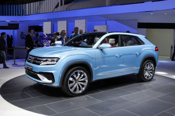 NewCarz-Volkswagen-CrossCoupe-GTE-Detroit-NAIAS-519