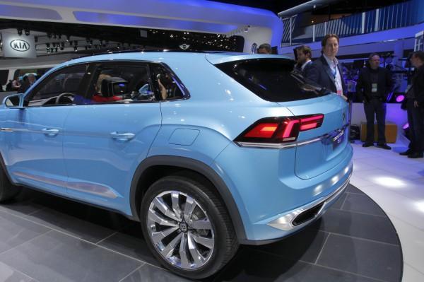 NewCarz-Volkswagen-CrossCoupe-GTE-Detroit-NAIAS-520