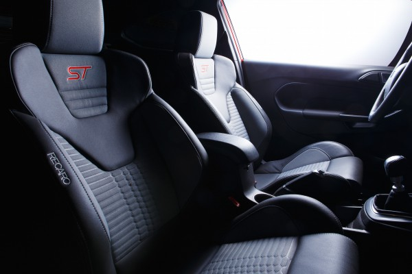 NewCarz-Ford-Fiesta-ST-356