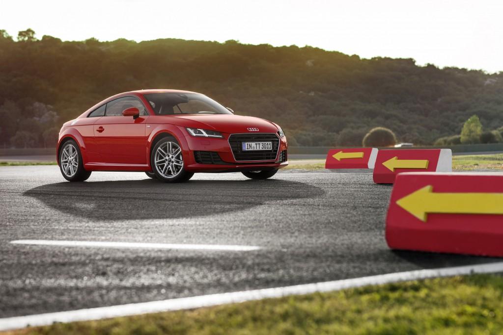 Audi-TT-Newcarz