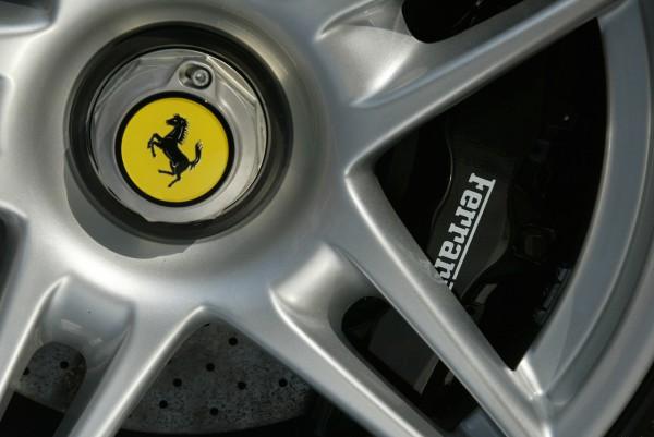 NewCarz-Ferrari-F40-News3