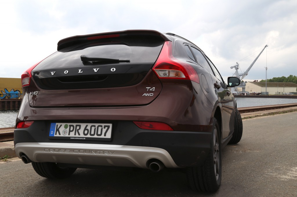 Newcarz-Volvo-V40-Cross-Country (3)