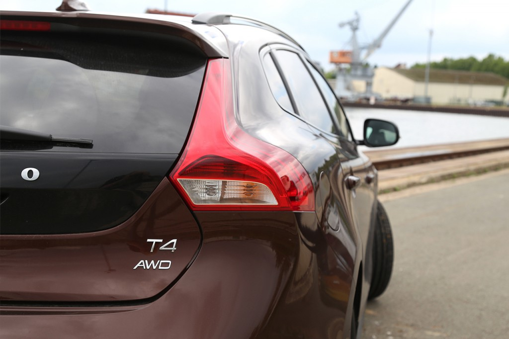 Newcarz-Volvo-V40-Cross-Country (8)