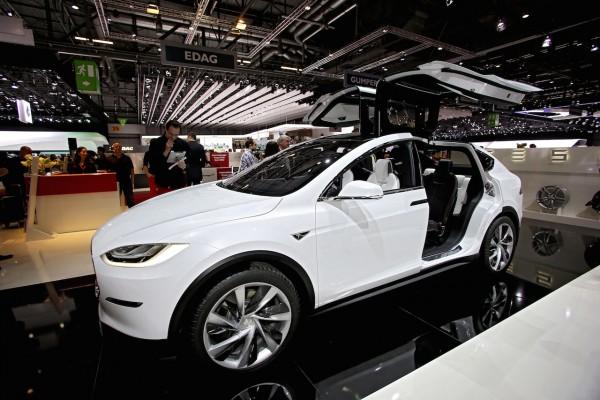 Tesla-Modell-X