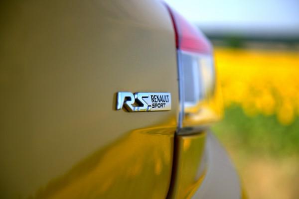 renault_megane_rs_typenschild2