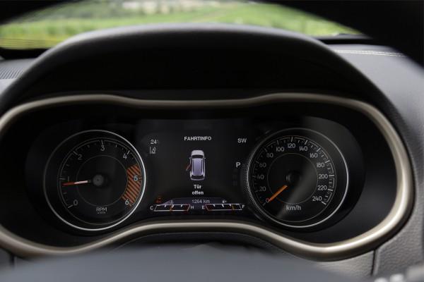 Jeep-Cherokee-Fahrbericht-NewCarz01