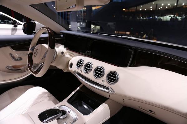 Mercedes S Cabriolet Cockpit