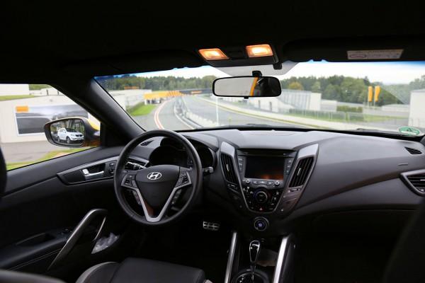 NewCarz-Hyundai-Veloster (14)