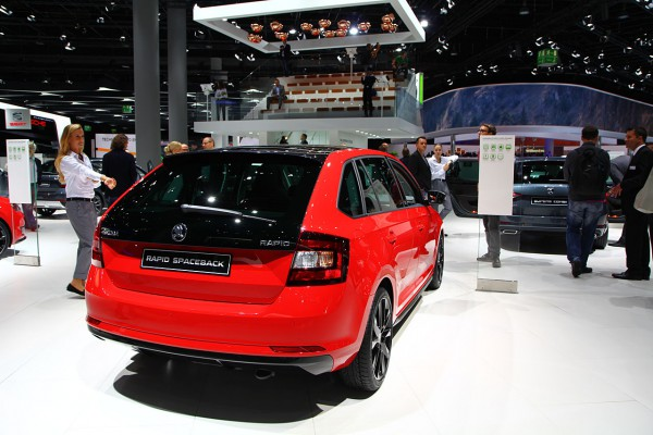 NewCarz-Skoda-Rapid-Spaceback (1)