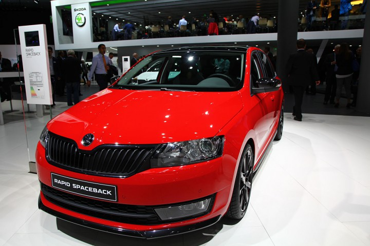 NewCarz-Skoda-Rapid-Spaceback (3)