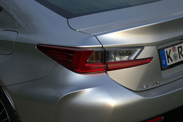 Lexus-RC-F Rearlight