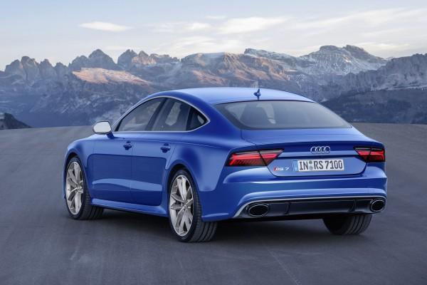 """Blaue Flunder - Die Farbe """"Ascariblau"""" ist den performance-Modellen vorbehalten"""