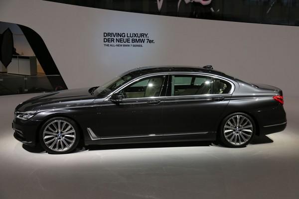 NewCarz-BMW-7er (2)