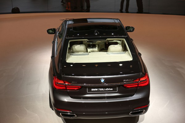 NewCarz-BMW-7er (4)