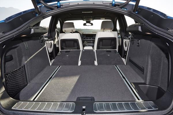 NewCarz-BMW-X4-M40i-5