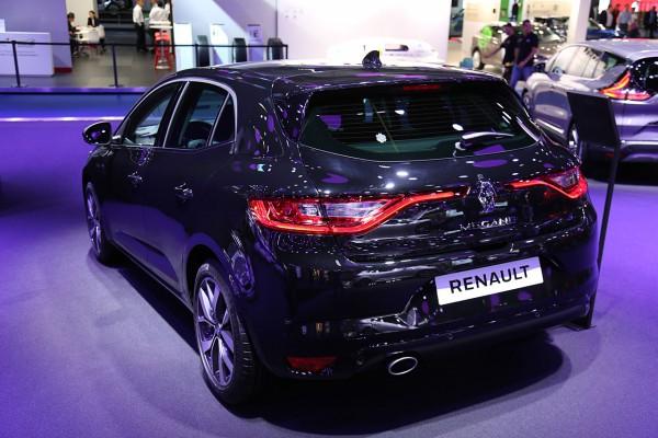 NewCarz-Renault-Megane-2015 (1)