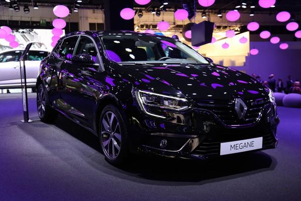 NewCarz-Renault-Megane-2015 (7)