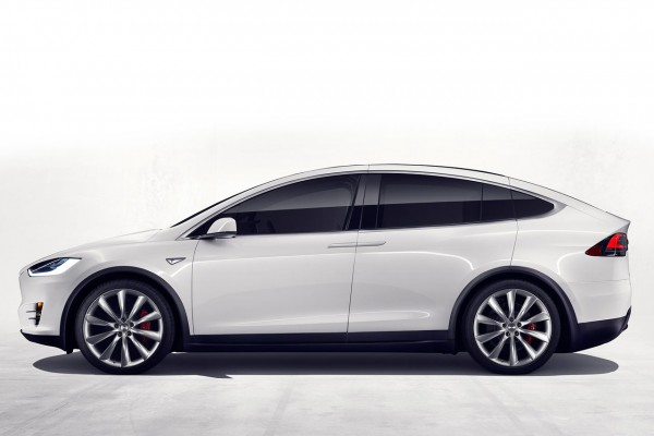 NewCarz-Tesla-Model-X-02