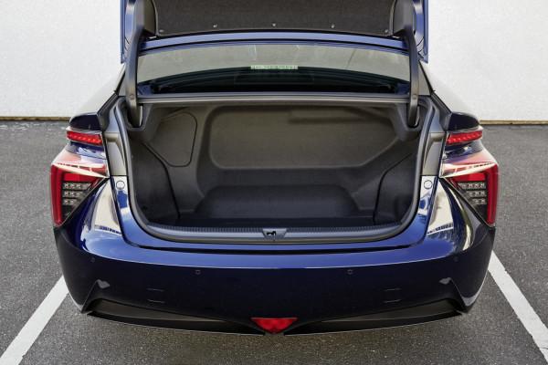 Lademeister - Trotz Brennstoffzellen-Einheit und Batterie bietet der Kofferraum 361 Liter Ladevolumen
