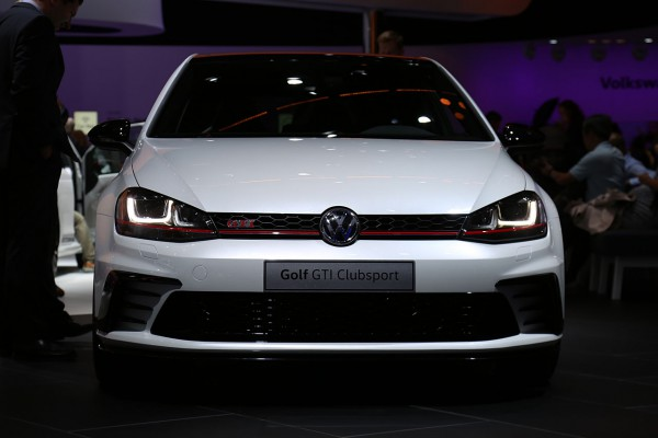 NewCarz-VW-Golf-GTI-Clubsport (1)