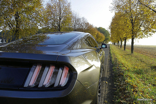 1-NewCarz-Ford-Mustang-GT (6)