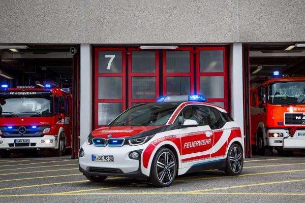 NewCarz-BMW-i3-05